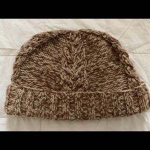 SAKS FIFTH AVENUE REALCLOTHES Cable knit wool hat